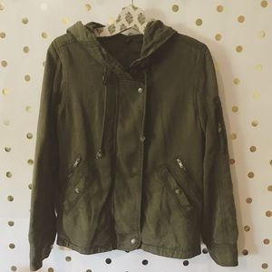 AEO Utility Jacket in Military Green